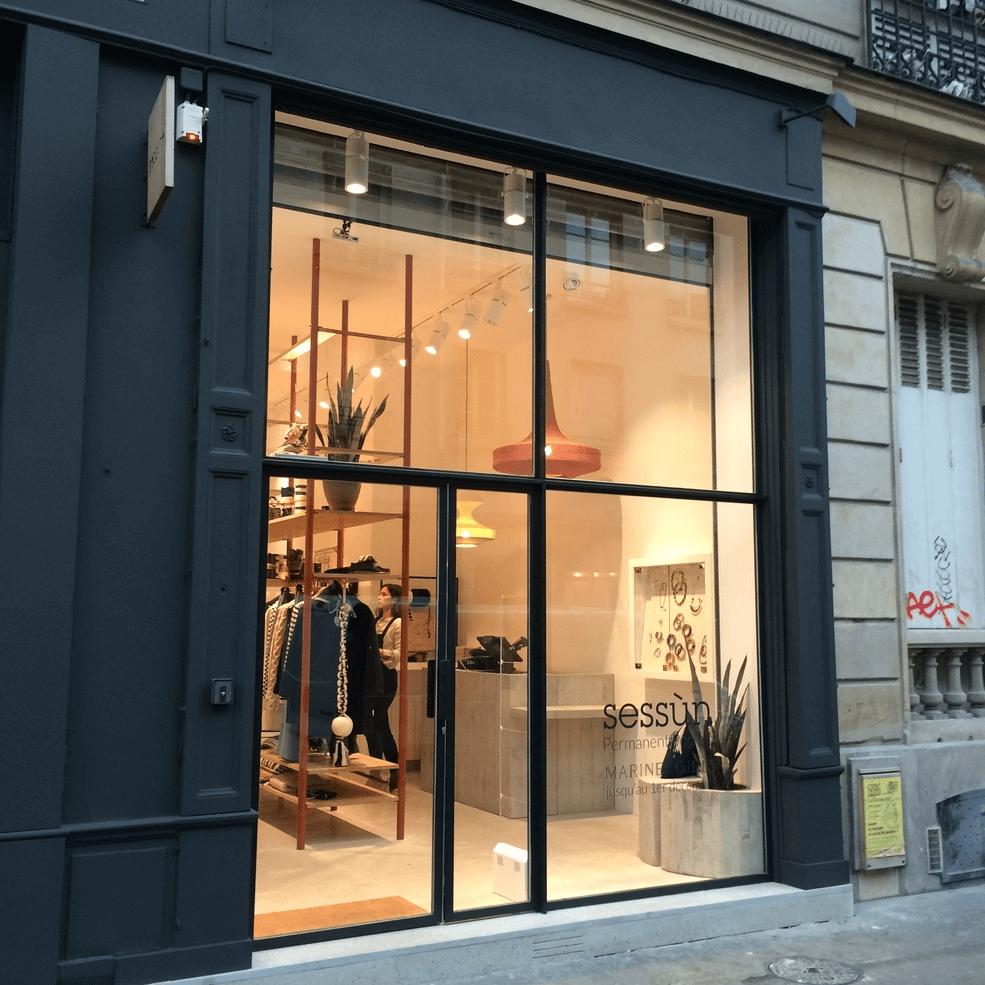 Veranda Metal Et Verre façade-de-magasin-en-acier-et-verre-porte-fenetre-facade